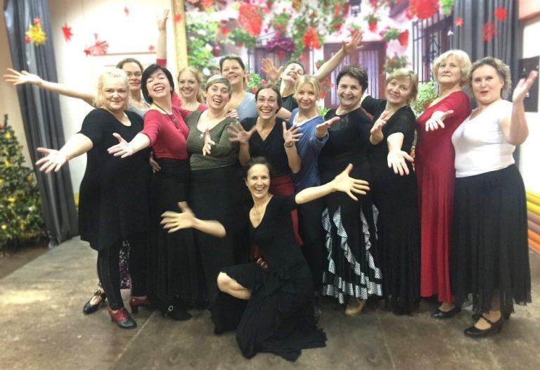 Alumnos de Monica en las clases de flamenco en Granada
