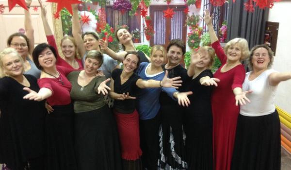 Los alumnos de Mónica te invitan a bailar flamenco